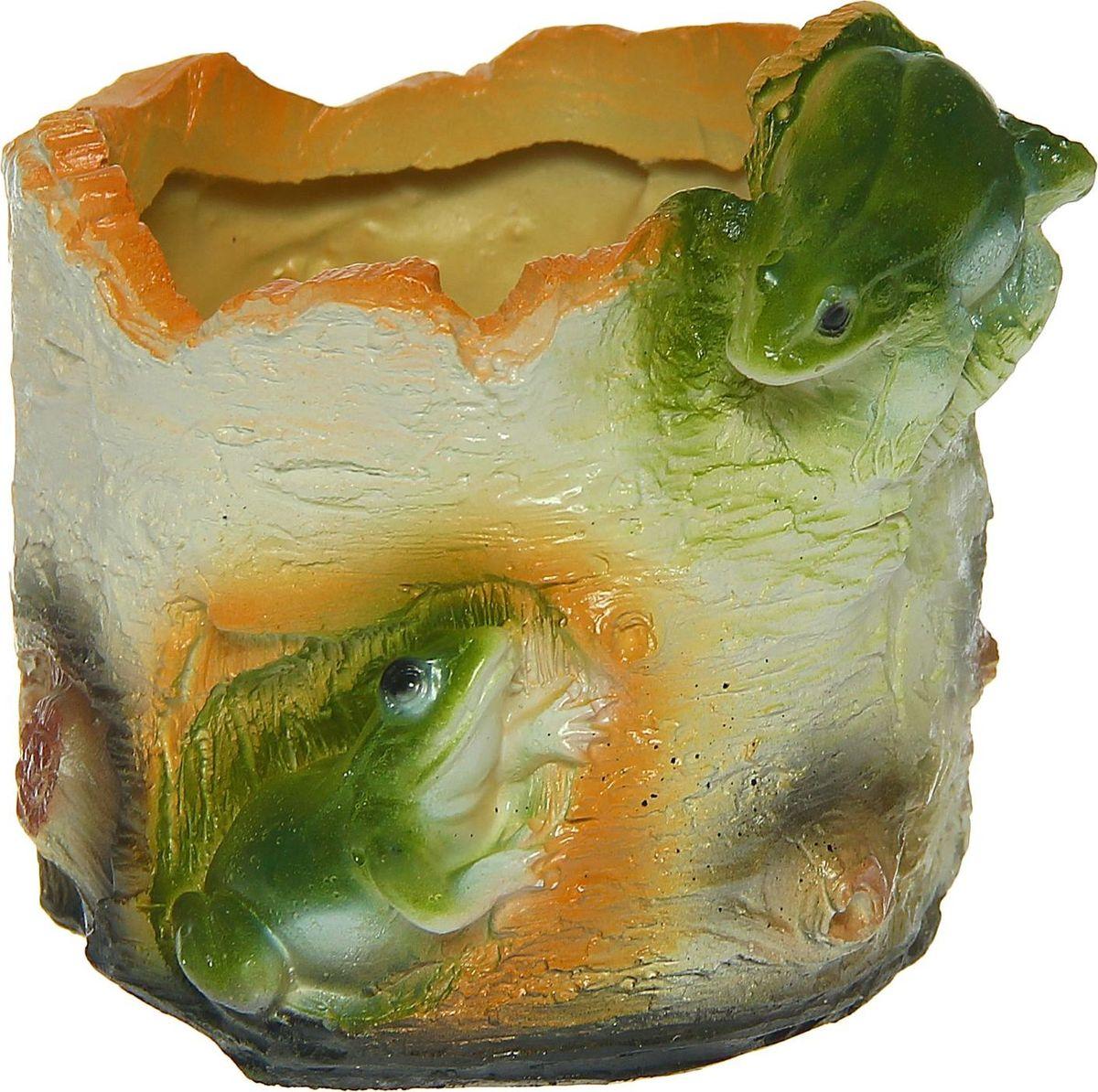 Кашпо Две лягушки в бересте, 15 х 15 х 14 смПВЛ 1,5 ЗЕЛКомнатные растения — всеобщие любимцы. Они радуют глаз, насыщают помещение кислородом и украшают пространство. Каждому из растений необходим свой удобный и красивый дом. Поселите зелёного питомца в яркое и оригинальное фигурное кашпо. Выберите подходящую форму для детской, спальни, гостиной, балкона, офиса или террасы. #name# позаботится о растении, украсит окружающее пространство и подчеркнёт его оригинальный стиль.