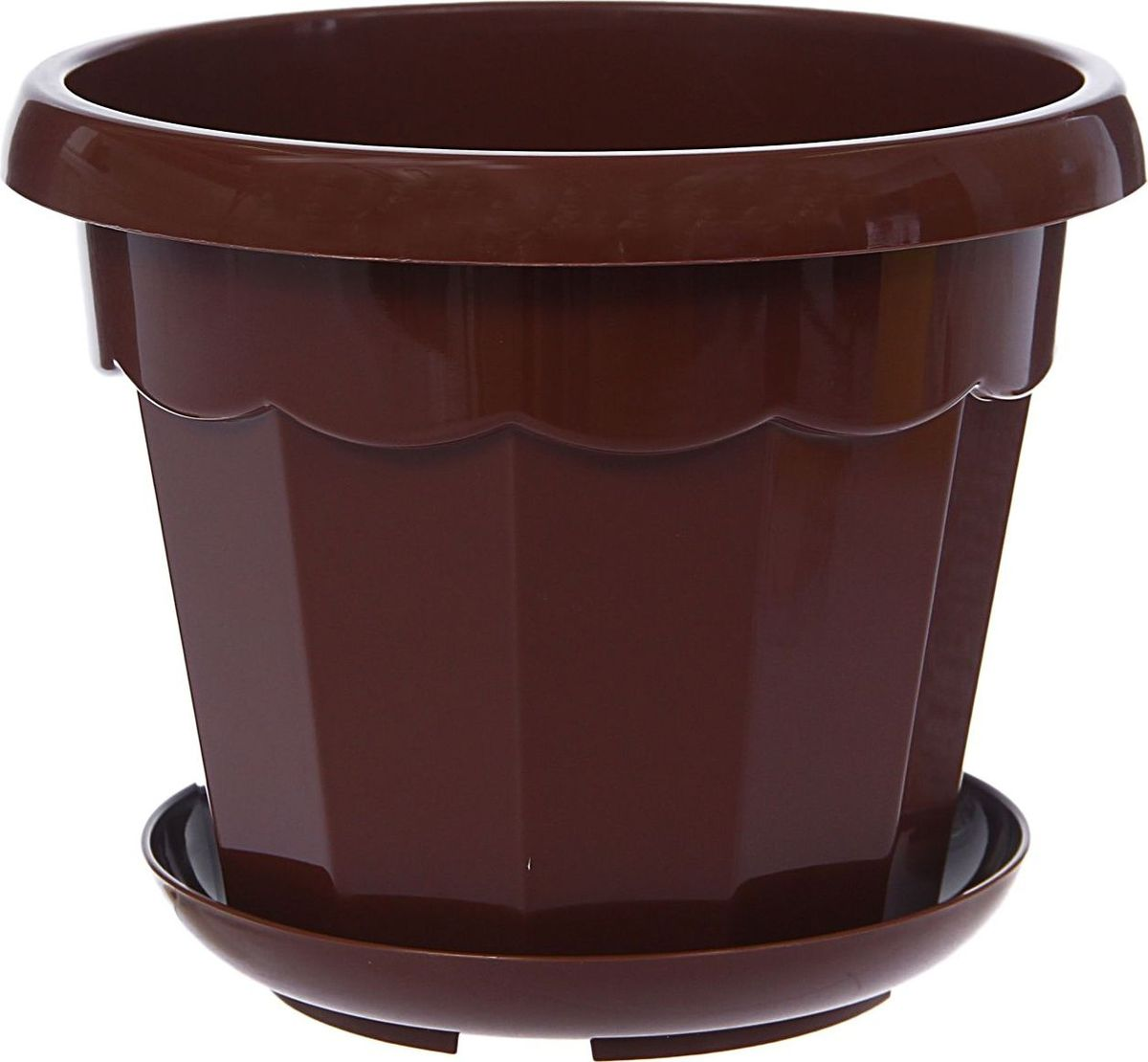 Горшок для цветов Доляна Эрика, с поддоном, цвет: терракотовый, 1,8 лПВЛ 2,5 БЕЛЛюбой, даже самый современный и продуманный интерьер будет не завершённым без растений. Они не только очищают воздух и насыщают его кислородом, но и заметно украшают окружающее пространство. Такому полезному &laquo члену семьи&raquoпросто необходимо красивое и функциональное кашпо, оригинальный горшок или необычная ваза! Мы предлагаем - Горшок для цветов 1,8 л с поддоном Эрика, цвет терракотовый!Оптимальный выбор материала &mdash &nbsp пластмасса! Почему мы так считаем? Малый вес. С лёгкостью переносите горшки и кашпо с места на место, ставьте их на столики или полки, подвешивайте под потолок, не беспокоясь о нагрузке. Простота ухода. Пластиковые изделия не нуждаются в специальных условиях хранения. Их&nbsp легко чистить &mdashдостаточно просто сполоснуть тёплой водой. Никаких царапин. Пластиковые кашпо не царапают и не загрязняют поверхности, на которых стоят. Пластик дольше хранит влагу, а значит &mdashрастение реже нуждается в поливе. Пластмасса не пропускает воздух &mdashкорневой системе растения не грозят резкие перепады температур. Огромный выбор форм, декора и расцветок &mdashвы без труда подберёте что-то, что идеально впишется в уже существующий интерьер.Соблюдая нехитрые правила ухода, вы можете заметно продлить срок службы горшков, вазонов и кашпо из пластика: всегда учитывайте размер кроны и корневой системы растения (при разрастании большое растение способно повредить маленький горшок)берегите изделие от воздействия прямых солнечных лучей, чтобы кашпо и горшки не выцветалидержите кашпо и горшки из пластика подальше от нагревающихся поверхностей.Создавайте прекрасные цветочные композиции, выращивайте рассаду или необычные растения, а низкие цены позволят вам не ограничивать себя в выборе.