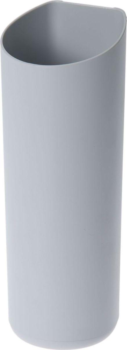 Кашпо WallGarden, для фитомодуля, цвет: серый, 8,9 х 8,9 х 22,2 см80663Фитомодуль — новинка в области вертикального озеленения. Конструкция, как и сборка, предельно проста. Повесьте панель фитомодуля на стену, вставьте кашпо в специальные пазы и готово!Он экономит пространство, презентабельно выглядит и органично дополнит релакс-зону в офисе или дома.При желании вы легко измените композицию, перемещая кашпо или меняя цветы. Разместите в фитомодуле искусственные растения или создайте интерьерную композицию, используя, например, яркие карандаши, фломастеры, игрушки, на что хватит фантазии. Родители маленьких детей оценят, что конструкцию можно разместить высоко, и малыши не смогут «исследовать» её.Станьте флористом, сотворите уникальную композицию!