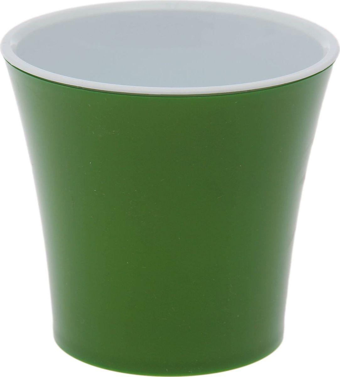 Горшок для цветов Santino Арте, цвет: зеленый, белый, 0,6 л531-105Любой, даже самый современный и продуманный интерьер будет незавершённым без растений. Они не только очищают воздух и насыщают его кислородом, но и украшают окружающее пространство. Такому полезному члену семьи просто необходим красивый и функциональный дом! Мы предлагаем Горшок 600 мл Арте, цвет зелёный, белый! Оптимальный выбор материала — пластмасса! Почему мы так считаем? -Малый вес. С лёгкостью переносите горшки и кашпо с места на место, ставьте их на столики или полки, не беспокоясь о нагрузке.-Простота ухода. Кашпо не нуждается в специальных условиях хранения. Его легко чистить — достаточно просто сполоснуть тёплой водой.-Никаких потёртостей. Такие кашпо не царапают и не загрязняют поверхности, на которых стоят.-Пластик дольше хранит влагу, а значит, растение реже нуждается в поливе.-Пластмасса не пропускает воздух — корневой системе растения не грозят резкие перепады температур. -Огромный выбор форм, декора и расцветок — вы без труда найдёте что-то, что идеально впишется в уже существующий интерьер.Соблюдая нехитрые правила ухода, вы можете заметно продлить срок службы горшков и кашпо из пластика: -всегда учитывайте размер кроны и корневой системы (при разрастании большое растение способно повредить маленький горшок)-берегите изделие от воздействия прямых солнечных лучей, чтобы горшки не выцветали-держите кашпо из пластика подальше от нагревающихся поверхностей. Создавайте прекрасные цветочные композиции, выращивайте рассаду или необычные растения. Размеры внутреннего вкладыша - высота 10 см, верхний диаметр - 11 см, нижний - 8 см.