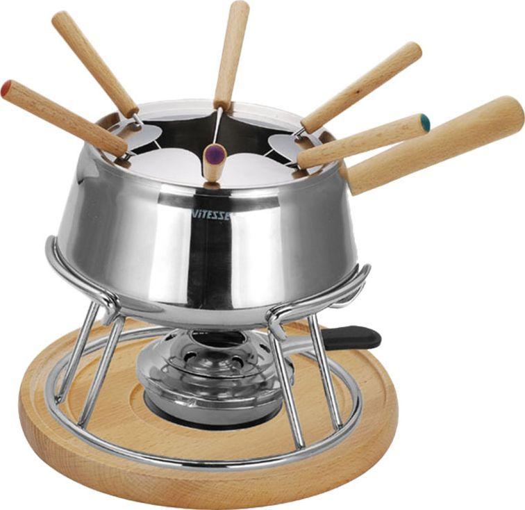 Набор для фондю Vitesse Azami, на 6 персонFD-6353.10Набор для фондю Azami, рассчитанный на 6 персон, выполнен из нержавеющей стали. В набор входят кастрюля для фондю, кольцо для вилочек, горелка с заслонкой, шесть вилок и две подставки: круглая деревянная и высокая стальная. Кастрюля, наполненная продуктами, будет постепенно нагреваться от горелки, и продукты будут растапливаться. Заслонка на горелку позволяет регулировать интенсивность пламени. Для удобства в обращении на кастрюлю надевается кольцо для вилочек. К набору прилагается небольшой буклет с рецептами фондю.Кастрюля для фондю подходит для газовых, электрических и стеклокерамических плит. Набор пригоден для мытья в посудомоечной машине.Обычай приглашать на фондю (от французского fondre - растапливать) пришел из Швейцарии. Зимой в занесенных снегом домах альпийские пастухи готовили из того, что было у них под рукой, в основном из подсохшего хлеба и сыра. В наши дни фондю имеет много вариантов, когда, кроме хлеба, подают кубики мяса, овощей или рыбы, а вместо сыра используют масло. Традиционно фондю устраивают вечером и приглашают небольшое количество гостей, которых рассаживают за столом, в центре которого располагается фондюшница, наполненная разогретым сыром, а рядом - кубики хлеба. Каждому гостю дают специальную вилку, на которую он накалывает хлеб и опускает его в растопленный сыр. После нескольких минут ваше блюдо готово.Характеристики:Диаметр кастрюли для фондю: 17 см.Высота кастрюли для фондю: 10 см.Объем кастрюли для фондю: 2 л.Диаметр деревянной подставки: 20,5 см.Диаметр стальной подставки: 19 см.Высота стальной подставки: 10 см.Длина вилки: 24 см.Материал:сталь, дерево.