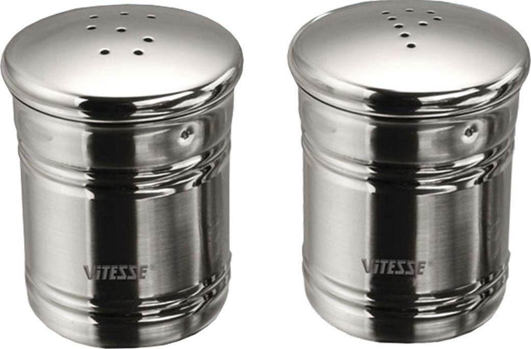 Набор Vitesse Kari: солонка и перечницаVT-1520(SR)Набор Kari, состоящий из солонки и перечницы, изготовлен из высококачественной нержавеющей стали 18/10 с зеркальной полировкой. Солонка и перечница легки в использовании: стоит только перевернуть емкости, и Вы с легкостью сможете поперчить или добавить соль по вкусу в любое блюдо.Эксклюзивный дизайн, эстетичность и функциональность набора позволят ему стать достойным дополнением к кухонному инвентарю.Набор пригоден для мытья в посудомоечной машине. Характеристики: Высота емкости: 6,5 см. Диаметр основания: 3,5 см. Толщина материала: 0,6 мм. Материал:нержавеющая сталь.Артикул:VS-1250.