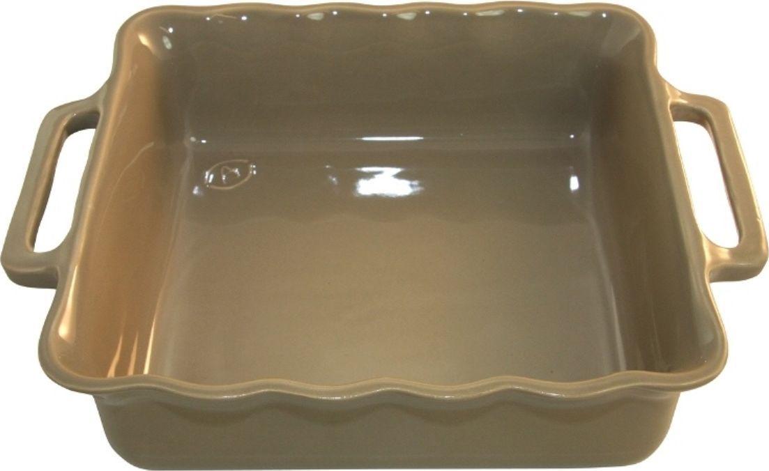 Форма для выпечки Appolia Delices, квадратная, цвет: песочный, 3,3 лFS-91909Благодаря большому разнообразию изящных форм и широкой цветовой гамме, коллекция DELICES предлагает всевозможные варианты приготовления блюд для себя и гостей. Выбирайте цвета в соответствии с вашими желаниями и вашей кухне. Закругленные углы облегчают чистку. Легко использовать. Большие удобные ручки. Прочная жароустойчивая керамика экологична и изготавливается из высококачественной глины. Прочная глазурь устойчива к растрескиванию и сколам, не содержит свинца и кадмия. Глина обеспечивает медленный и равномерный нагрев, деликатное приготовление с сохранением всех питательных веществ и витаминов, а та же долго сохраняет тепло, что удобно при сервировке горячих блюд.