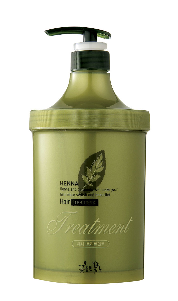 Flor de Man Восстанавливающая маска для волос МФ Хэнна, 1000 млBHTM10020Ультраувлажняющая и питающая маска на основе лавсонии и керамидов помогает вернуть волосам упругость, предотвращает их ломкость и выпадение, придает им сияние и шелковистость. Экстракт хны в составе возвращает насыщенный цвет волосам.