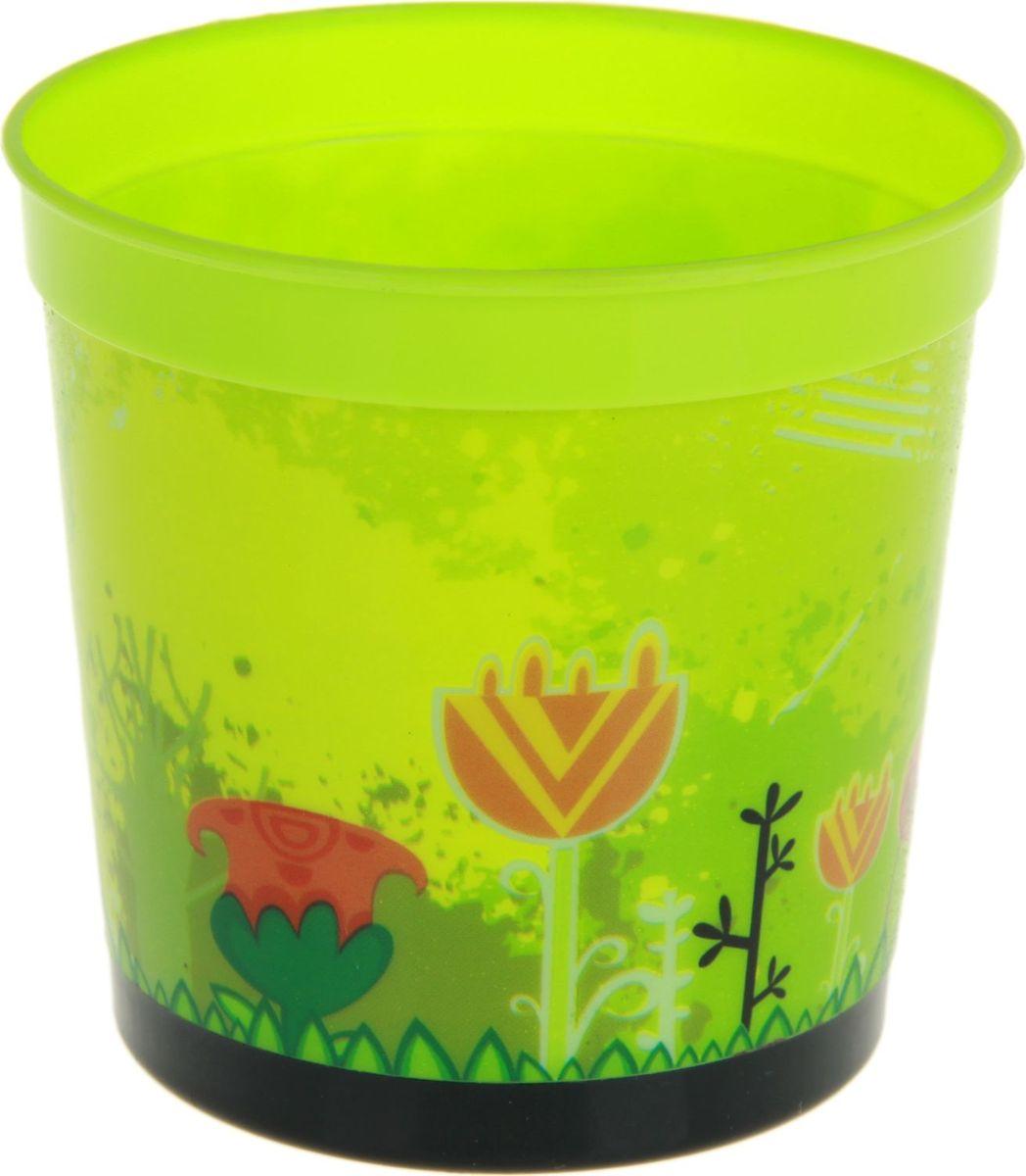 Кашпо Noname Летний день, 0,2 л531-105Кашпо Летний день имеет уникальную форму, сочетающуюся как с классическим, так и с современным дизайном интерьера. Оно изготовлено из высококачественного пластика, предназначено для выращивания растений, цветов и трав в домашних условиях. Кашпо порадует вас функциональностью, а благодаря лаконичному дизайну впишется в любой интерьер помещения.