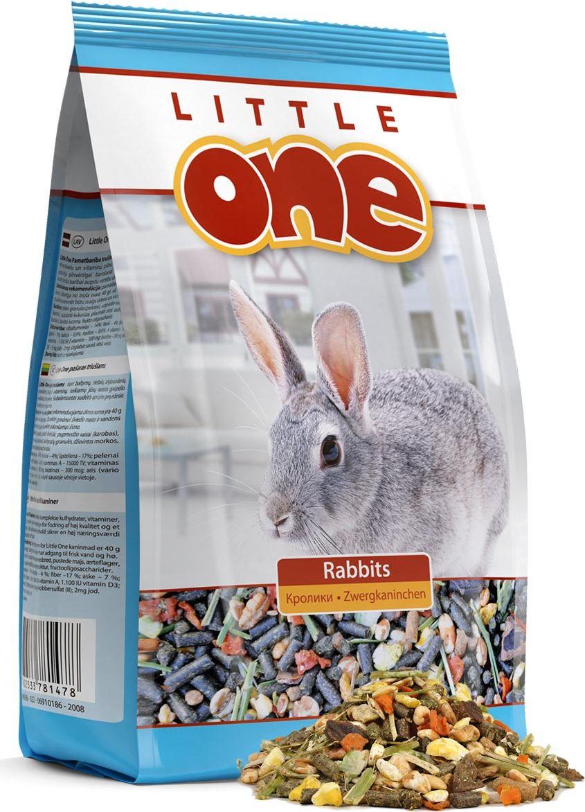 Корм для кроликов Little One, 400 г0120710Корм для кроликов Little One- сбалансированное полноценное питание с добавлением витаминов и минеральных веществ. Рацион отличается высоким содержанием клетчатки, необходимой для правильного пищеварения кроликов, содержит полный комплекс белков, жиров и углеводов. Корм обогащен сушеными овощами, плющеными бобами, плодами редких растений.Товар сертифицирован.