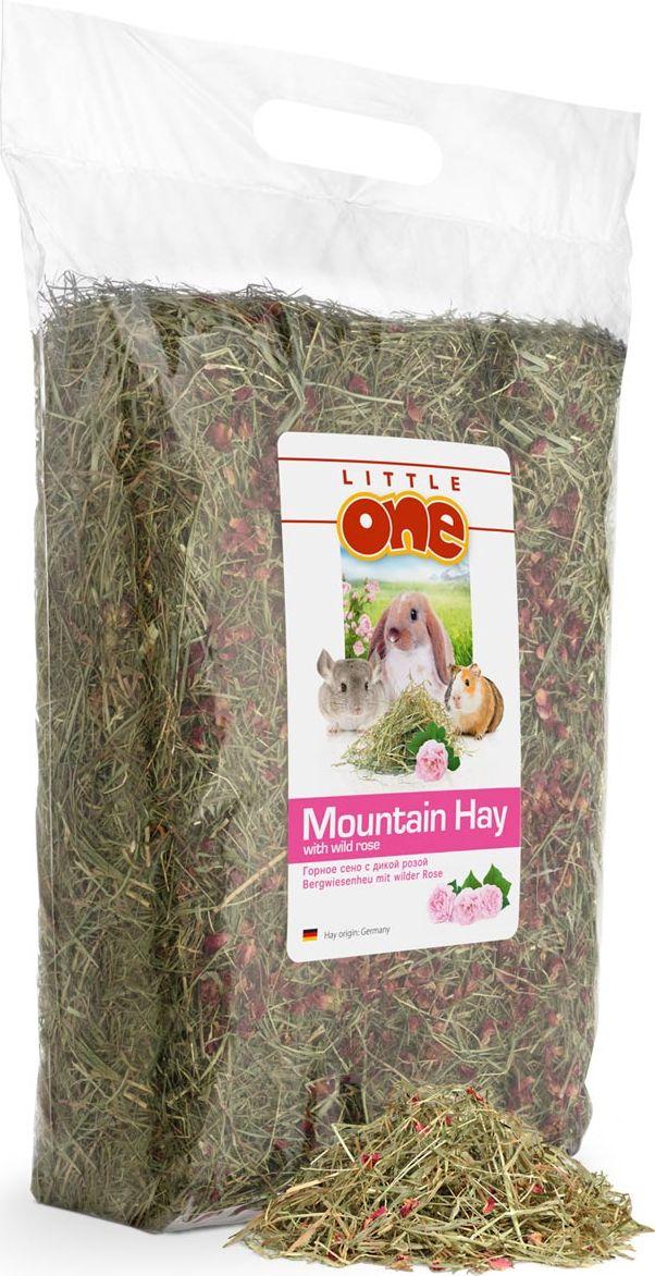 Горное сено Little One, с дикой розой, 400 г0120710Ароматное, очищенное и высушенное горное сено Little One собрано в экологически чистых горных районах и имеет разнообразный ботанический состав. Сено обогащено лепестками дикой розы, которые придают сену приятный аромат. Кроме того, лепестки роз содержат полезные витамины и минералы. Обладая от природы сладковатым вкусом, лепестки роз при этом оказывают пользу организму животного, положительным образом влияя на обмен веществ, сердечно-сосудистую систему и щитовидную железу.Товар сертифицирован.