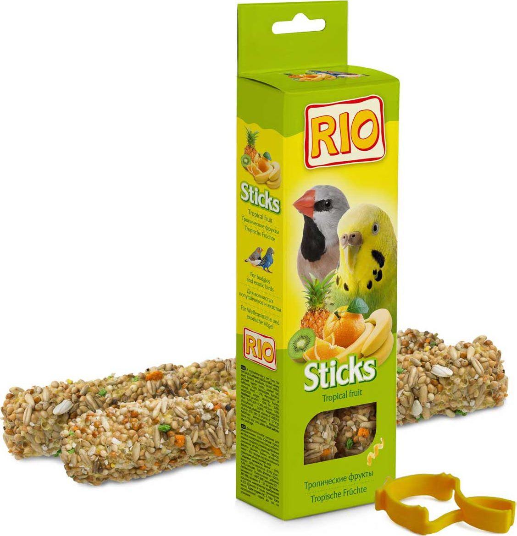 Лакомство для волнистых попугайчиков и экзотов RIO Sticks, с тропическими фруктами, 2 х 40 г0120710Лакомство RIO Sticks с тропическими фруктами - это дополнительное питание для волнистых попугайчиков и экзотов. В процессе производства палочки запекают в специальных печах особым способом, это обеспечивает превосходный вкус и хрустящую консистенцию.Лакомство имеет буковый стержень, который отлично подходит для чистки клюва.В комплект входит съемный держатель.Товар сертифицирован.