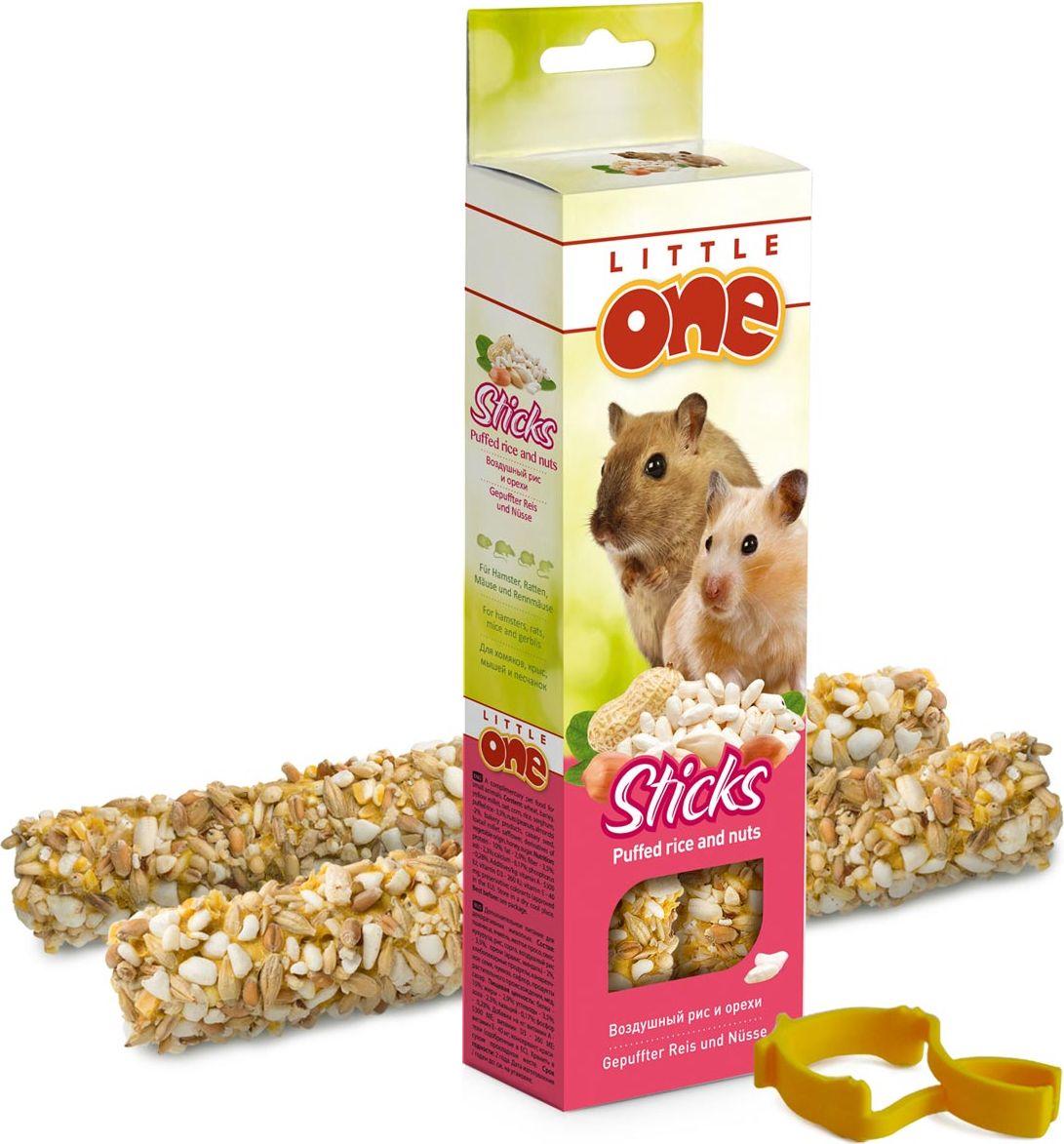 Лакомство для хомяков, крыс, мышей и песчанок Little One Sticks, с воздушным рисом и орехами, 2 х 55 г56830Лакомство Little One Sticks с воздушным рисом и орехами - это дополнительное питание для хомяков, крыс, мышей и песчанок. В процессе производства палочки запекают в специальных печах особым способом, это обеспечивает превосходный вкус и хрустящую консистенцию.Лакомство имеет буковый стержень, который отлично подходит для стачивания зубов.В комплект входит съемный держатель.Товар сертифицирован.