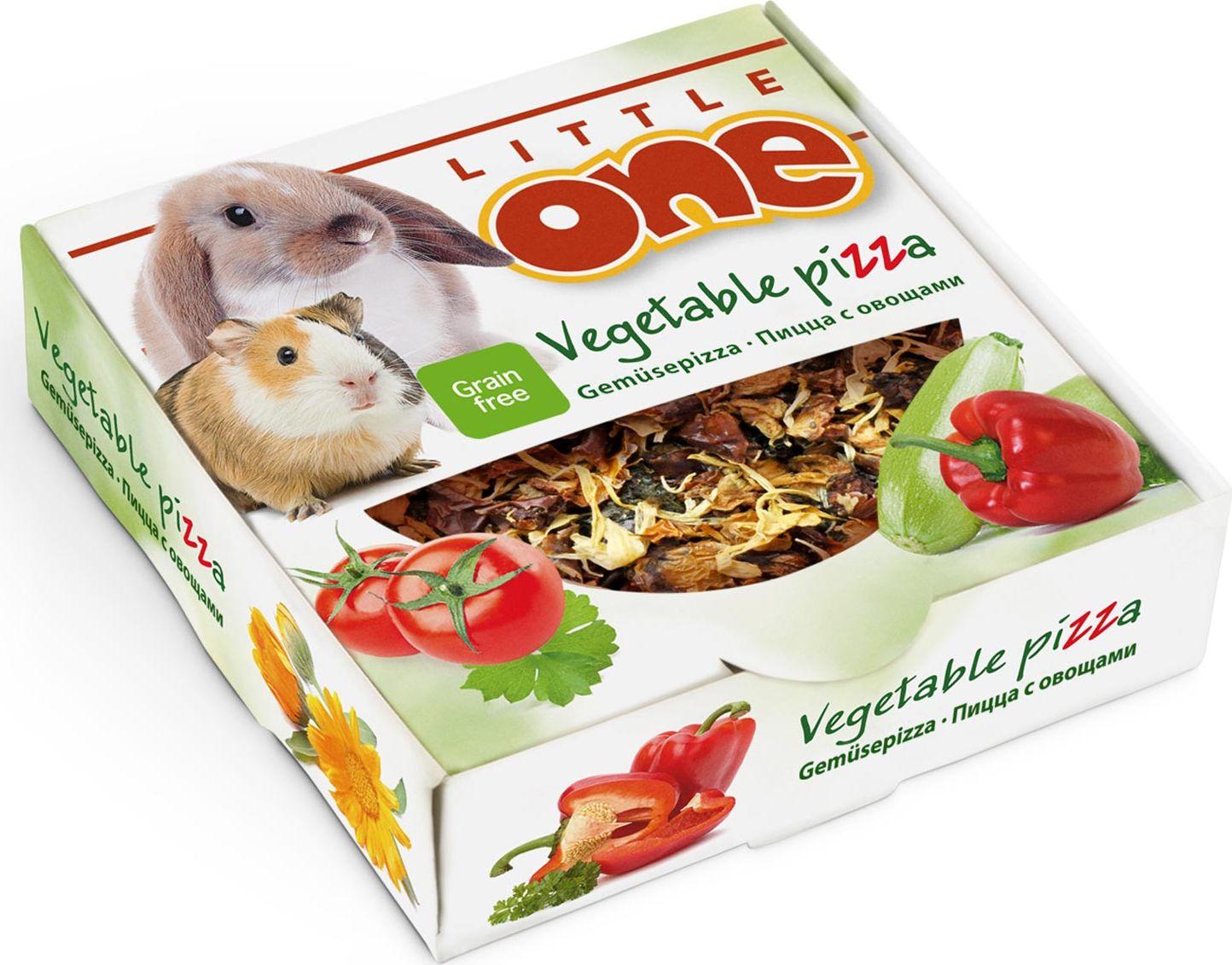 Лакомство-игрушка для всех видов грызунов Little One Пицца с овощами, 55 г0120710Овощная пицца Little One приготовлена специально для декоративных животных. Ее основа изготовлена из ароматной петрушки, выращенной в открытом грунте под солнцем. Овощной топпинг состоит из сушеного кабачка, томата, перца, лепестков календулы и овсяных хлопьев. Такой состав делает пиццу настоящим удовольствием для домашних питомцев, а также источником витаминов и других питательных веществ. Форма пиццы очень удобна для разгрызания, что способствует стачиванию постоянно растущих зубов у грызунов и кроликов.