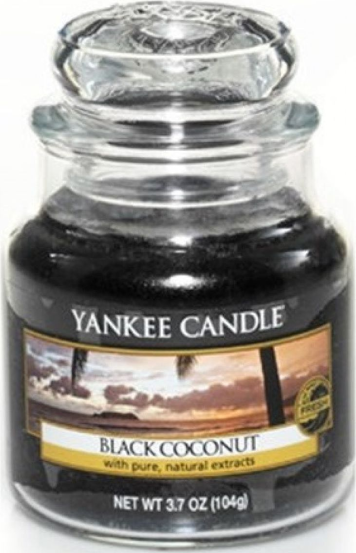 Ароматическая свеча Yankee Candle Черный кокос / Black coconut, 25-45 чRG-D31SРайский закат с ароматом кокоса и кедра окутывает цветущий остров спокойствием.Верхняя нота: Фруктовый Ананас, КокосСредняя нота: Цветы КокосаБазовая нота: Пудровые Древесные, Мускус