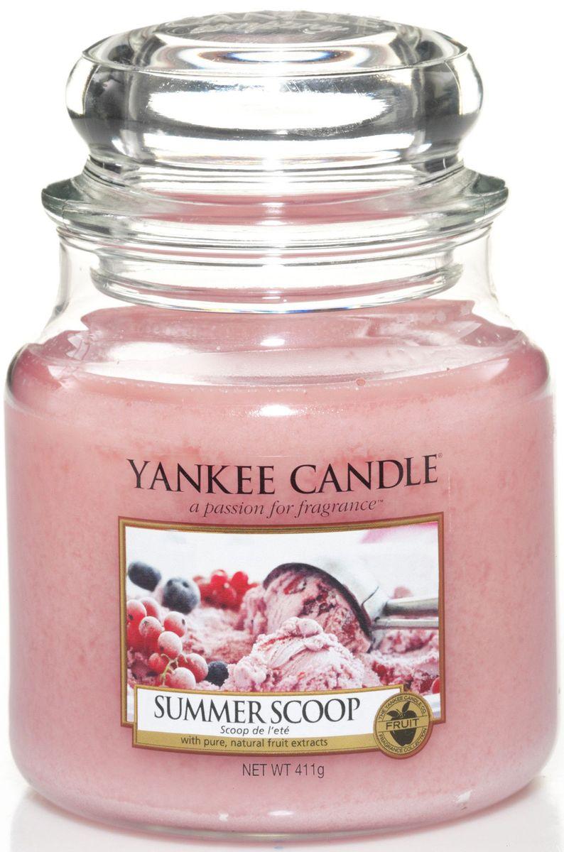 Ароматическая свеча Yankee Candle Кусочек лета / Summer scoop, 65-90 чRG-D31SСвеча c ароматом фруктового мороженого.Верхняя нота: Конфеты, Клубника, ЯгодыСредняя нота: Сахарная ватаБазовая нота: Пралине, Ваниль