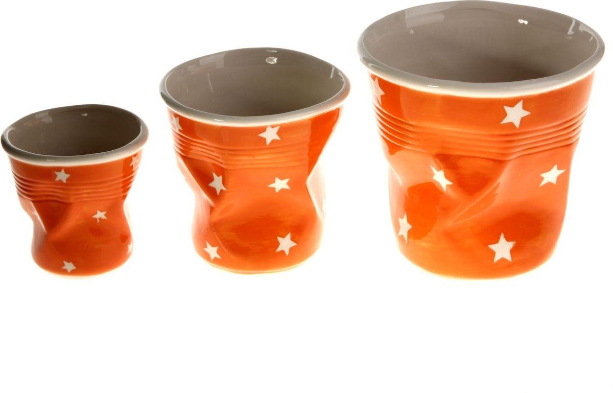 Набор кашпо Стакан, цвет: оранжевый, 3 предмета531-105Размеры: 10 х 10 см, 13 х 13 см, 16 х 16 см. Комнатные растения — всеобщие любимцы. Они радуют глаз, насыщают помещение кислородом и украшают пространство. Каждому из растений необходим свой удобный и красивый дом.Кашпо из керамики прекрасно подходят для высадки растений:за счёт пластичности глины и разных способов обработки существует великое множество форм и дизайновпористый материал позволяет испаряться лишней влагевоздух, необходимый для дыхания корней, проникает сквозь керамические стенки.Набор кашпо 3 шт. Стакан оранжевое позаботится о зелёном питомце, освежит интерьер и подчеркнёт его стиль. Добавьте помещению уют.