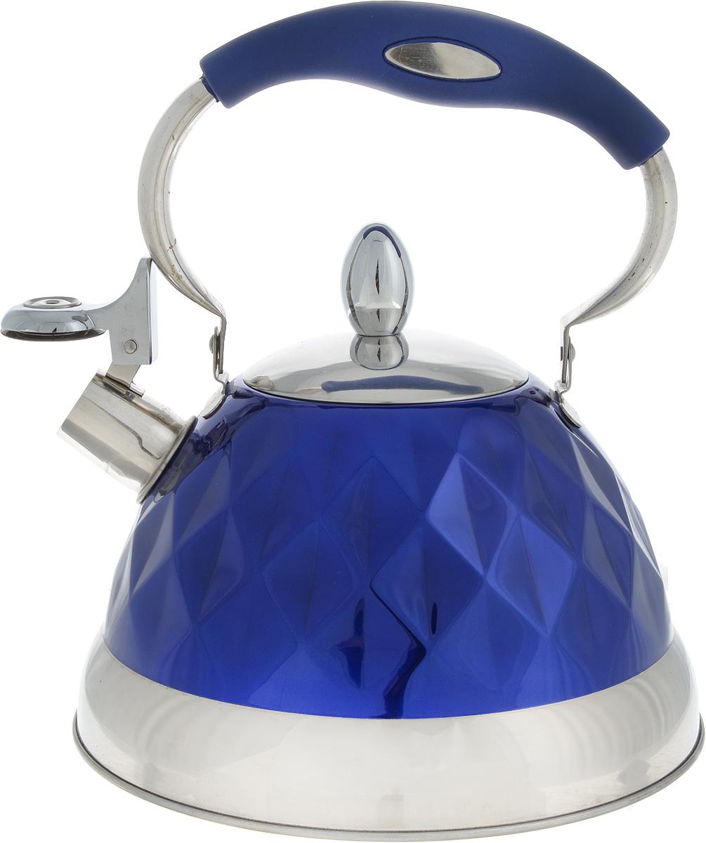 Чайник Bohmann, со свистком, цвет: стальной, синий, 3,5 л54 009312Чайник Bohmann изготовлен из высококачественной нержавеющей стали. Внешняя поверхность имеет цветное эмалевое покрытие. Трехслойное капсульное дно с алюминиевой вставкой обеспечивает оптимальное распределение тепла. Чайник снабжен стальной крышкой и эргономичной ручкой с бакелитовой вставкой. Свисток предназначен для определения закипания воды, открывается нажатием кнопки на рукоятке. Подходит для всех типов плит, включая индукционные. Можно мыть в посудомоечной машине. Диаметр (по верхнему краю): 9,5 см. Высота (без учета ручки и крышки): 13,5 см. Высота (с учетом ручки): 27 см.