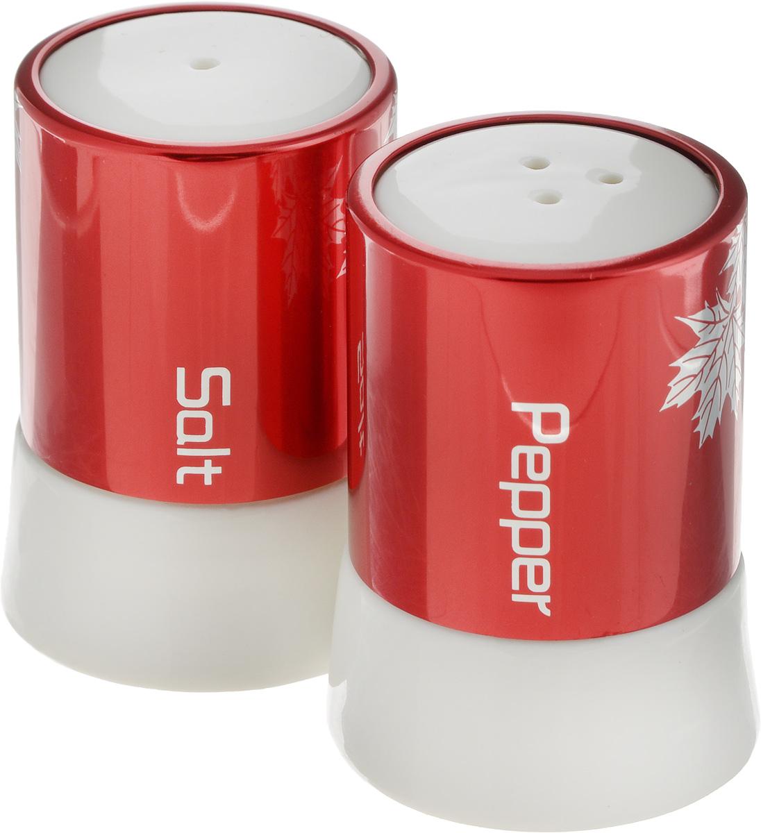 Набор для специй Barton Steel, цвет: красный, 2 предмета21395599Набор баночек для специи и приправ Barton Steel состоит из 2 баночек, которые идеально подходят для соли, перца, красного перца, сахара, кориандра, мяты, базилика, розмарина, корицы, горчицы. Корпусы контейнеров сделаны из сочетания фарфора и металла, они имеют гладкий дизайн. Этот набор оригинального дизайна и безукоризненного качества станет украшением вашего стола.Размер баночек для специй: 7,5 х 5 х 5,5 см.