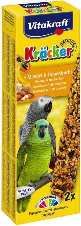 Крекеры для амазонских попугаев Vitakraft, миндаль, фрукты, 2 шт.21296Специальный крекер, обогащенный витаминами. Мотивирует птицу самостоятельно добывать себе зерно, как в дикой природе. Натуральная деревянная палочка и зажим для крепления в клетке делают лакомство полезным и удобным в использовании.