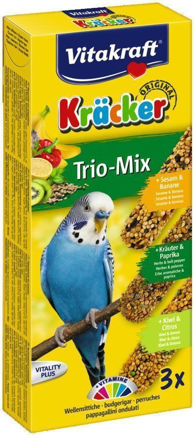 Крекеры для волнистых попугаев Vitakraft, фруктовые, 3 шт.0120710Питательный крекер является дополнительным источником витаминов и минералов. Поддерживает здоровье, жизненный тонус. Изготовлен по уникальной технологии 3-х ступенчатого запекания. Натуральная деревянная палочка и зажим для крепления в клетке делают лакомство полезным и удобным в использовании.