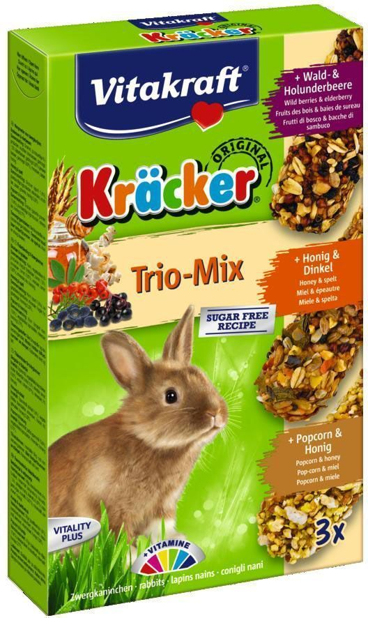 Крекеры для кроликов Vitakraft, с медом, кукурузой и пшеницей, 3 шт25338Питательный крекер является дополнительным источником витаминов и минералов. Поддерживает здоровье, жизненный тонус. Изготовлен по уникальной технологии 3-х ступенчатого запекания. Натуральная деревянная палочка и зажим для крепления в клетке делают лакомство удобным в использовании. Состав: злаки (3,9% ростки пшеницы), орехи, фрукты, сахар, овощи, мед.Анализ состава: 10,3% растительный протеин, 5% растительный жир, 3% клетчатка, 5,5% зола, 12,5% влага, 1,2% кальций, 0,6% фосфор.Витамины: А, Д3, Е, В1. Товар сертифицирован.