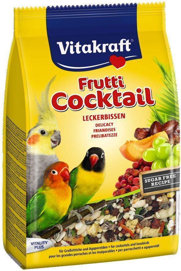 Коктейль для средних попугаев Vitakraft ,фруктовый, 250 г0120710Лакомство для попугаев из спелых фруктов, вкусных семян и хрустящих орехов. Обеспечивает жизненноважными витаминами.