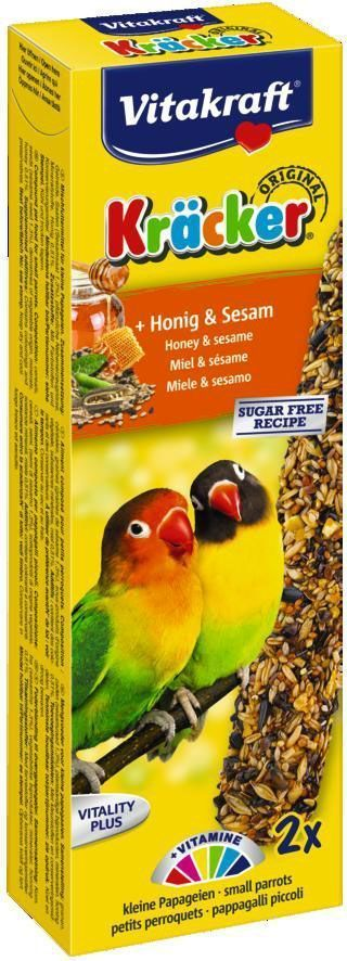 Крекеры для попугаев средних африканских Vitakraft, мед, 2 шт.0120710Крекер содержит жизненно необходимые минералы и витамины. Мотивирует птицу самостоятельно добывать себе зерно, как в дикой природе. Натуральная деревянная палочка и зажим для крепления в клетке делают лакомство полезным и удобным в использовании.