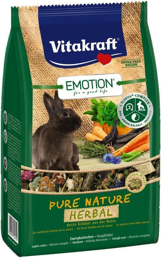 Корм для кроликов Vitakraft Pure Nature Herbal, 600 г216101003Сбалансированный беззерновой корм, с наггетсами из свежих трав. Содержит пребиотик инулин, все жизненно важные аминокислоты и докозагексаеновую кислоту, важную для функции сердца, головного мозга и иммунной системы. Состав: продукты растительного происхождения (сушеные травы 32,5%, тимофеевка луговая 8%), овощи 14,9%, петрушка 3,3%, фрукты 3%, инулин 2,1%, листья крапивы 2,1%, васильки 1%, водоросли, минералы, тимьян 0,05%, экстракт юкки, масла и жиры. Анализ состава: 20% клетчатка, 0,06% ДГК.Пищевые добавки на 1 кг: DL-метионин 4470,84 мг, витамин А 16000 МЕ, витамин Д3 1000 МЕ, селен 0,24 мг, железо 45,76 мг, йод 0,9 мг, медь 11,96 мг, марганец 35,88 мг, цинк 74,98 мг. Товар сертифицирован.
