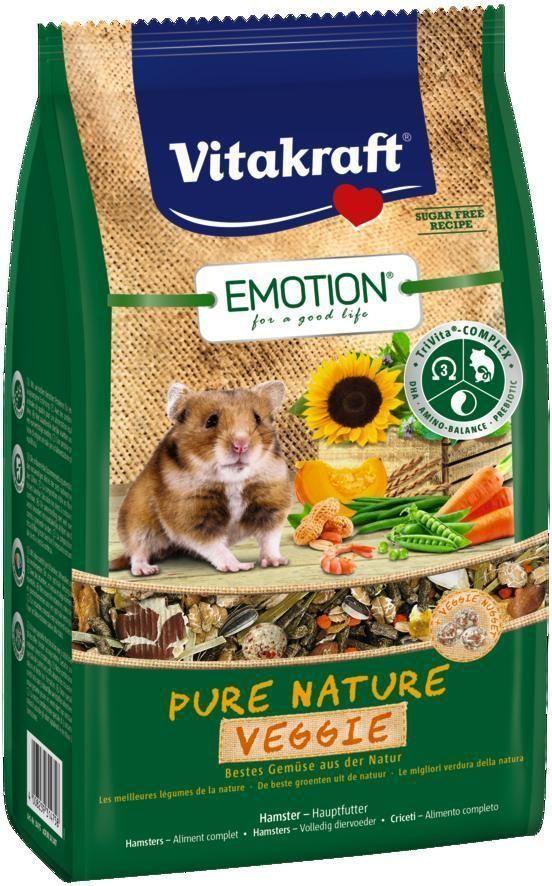 Корм для хомяков Vitakraft Pure Nature Veggie, 600 г0120710Сбалансированный беззерновой корм, с наггетсами из свежих овощей. Содержит пребиотик инулин, все жизненно важные аминокислоты и докозагексаеновую кислоту, важную для функции сердца, головного мозга и иммунной системы.