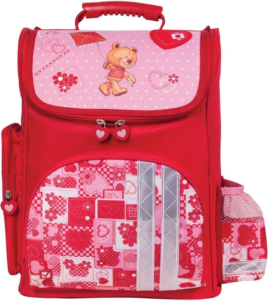 Brauberg Ранец школьный Мишка 22531572523WDРанец Мишка предназначен для девочек 7-10 лет. Он выполнен в красно-розовом цвете и дополнен необычным принтом на карманах. Благодаря такой яркой расцветке, с этим ранцем ребенок всегда будет выглядеть нарядно.•1 отделение, 3 кармана. •Уплотненные боковины из EVA. •Формоустойчивая спинка из EVA. •Светоотражающие элементы с четырех сторон ранца. •Карточка для персональных данных школьника. •Дно из плотного водонепроницаемого материала. •Вес ранца - 0,8 кг. •Размер: 38х29х16 см. •Объем: 20 л.