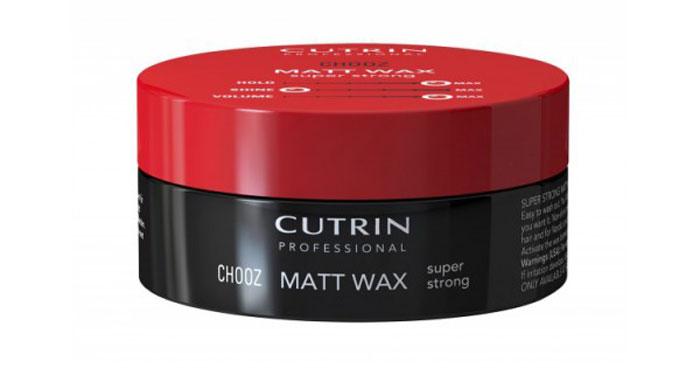 Cutrin Матовый воск экстра-сильной фиксации Choozism Matt Wax Super Strong, 100 млSatin Hair 7 BR730MNОптимальное решение для придания формы жестким коротким волосам. Обеспечивает максимальный уровень фиксации и долговременный объем без склеивания волос. Комбинация тщательно отобранных натуральных восков позволяет придать неповторимый матовый эффект. Сорбитол и глицерин оказывают увлажняющее действие. Позволяет изменять укладку в течение дня, легко смывается.
