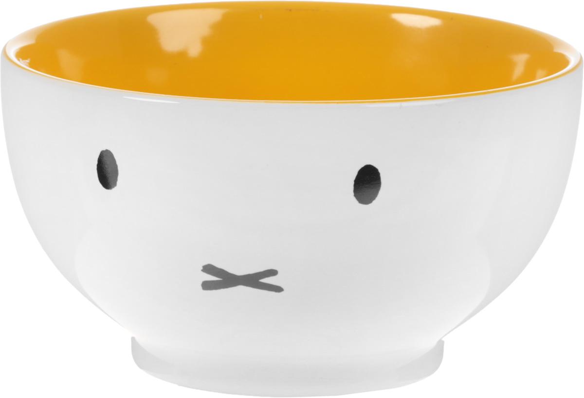 Салатник Calve, цвет: светло-серый, желтый, 650 млMAO016444Салатник Calve выполнен из глазурованной керамики. Изделие прекрасно подойдет для подачи различных блюд: закусок, салатов, фруктов и многого другого. Можно использовать в холодильнике, морозильнике, а также мыть в посудомоечной машине.Диаметр (по верхнему краю): 13,8 см. Высота салатника: 7,6 см.Объем: 650 мл.