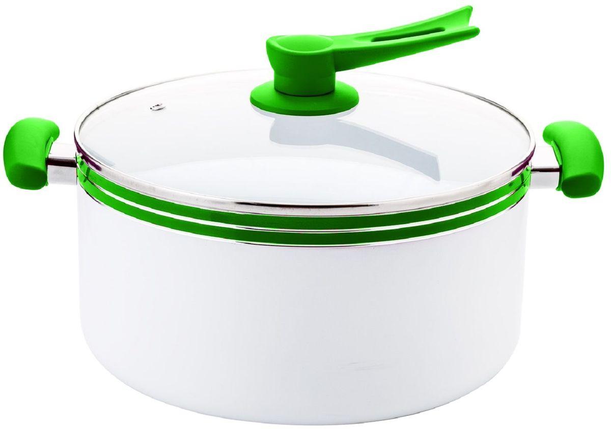 Кастрюля Elff Decor с крышкой, с керамическим покрытием, цвет: зеленый, 6,8 л1400-208Кастрюля Изготовлена из алюминия с керамическим покрытием внутри Ненагревающиеся силиконовые цветные ручки Стеклянная крышка Прочный и стойкий литой алюминий Подходит для использования на всех типах кухонных плит, включая индукцию Пригодна для мытья в посудомоечной машине. d.26 см Емкость-6,8 л