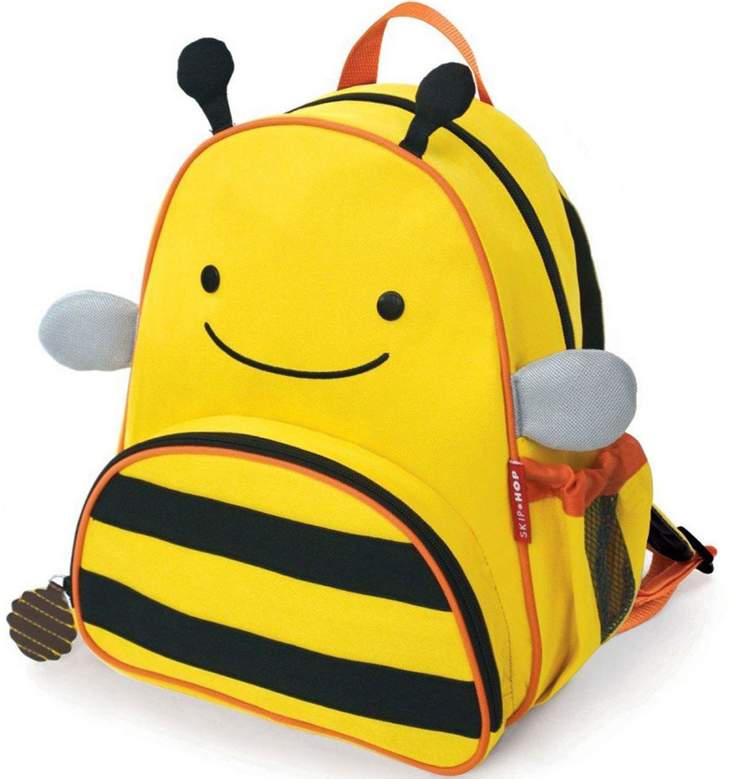 SkipHop Рюкзак дошкольный Пчела72523WDРюкзачок Skip Hop Zoo Pack каждый день будет радовать вашего малыша, вызывать улыбки у прохожих и зависть у сверстников. С ним можно ходить в детский сад, спортивные секции, на прогулку, в гости к бабушке или ездить на экскурсии. В основной отсек легко поместится книжка, альбом для рисования, краски, фломастеры, любимая игрушка и контейнер с едой, а специальный кармашек сбоку предназначен специально для бутылочки с водой. Передний кармашек на молнии предназначен для мелких вещичек. Внутренний кармашек на резиночке зафиксирует положение содержимого: не даст выпасть фломастерам или сломаться киндер-сюрпризу. Рюкзачок выполнен из прочной ткани, способной выдерживать бесконечное количество стирок в машинке. Лямки рюкзачка мягкие, регулируемые. • Размер: 11 x 25 х 29 см. • Для детей с 3 лет.
