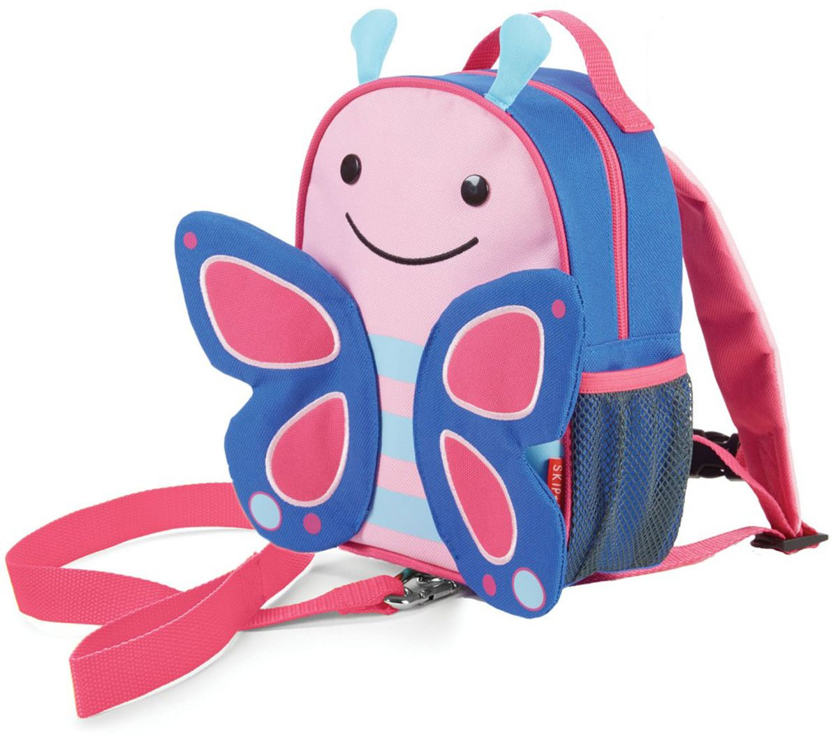Skip Hop Рюкзак дошкольный Бабочка с поводком730396Дошкольный рюкзак Skip Hop, выполненный в виде бабочки, поможет сделать первые шаги, подстрахует малыша в ответственный момент, огородит родителей от лишних волнений и беспокойств с помощью поводка для детской безопасности. При необходимости поводок можно отстегнуть.Милая мордашка животного всегда будет поднимать настроение, а вместительный кармашек позволит носить с собой необходимые вещи: пакетик с соком, любимые игрушки и блокноты для рисования.Рюкзак имеет одно отделение на застежке-молнии, в котором находится бирка для имени.