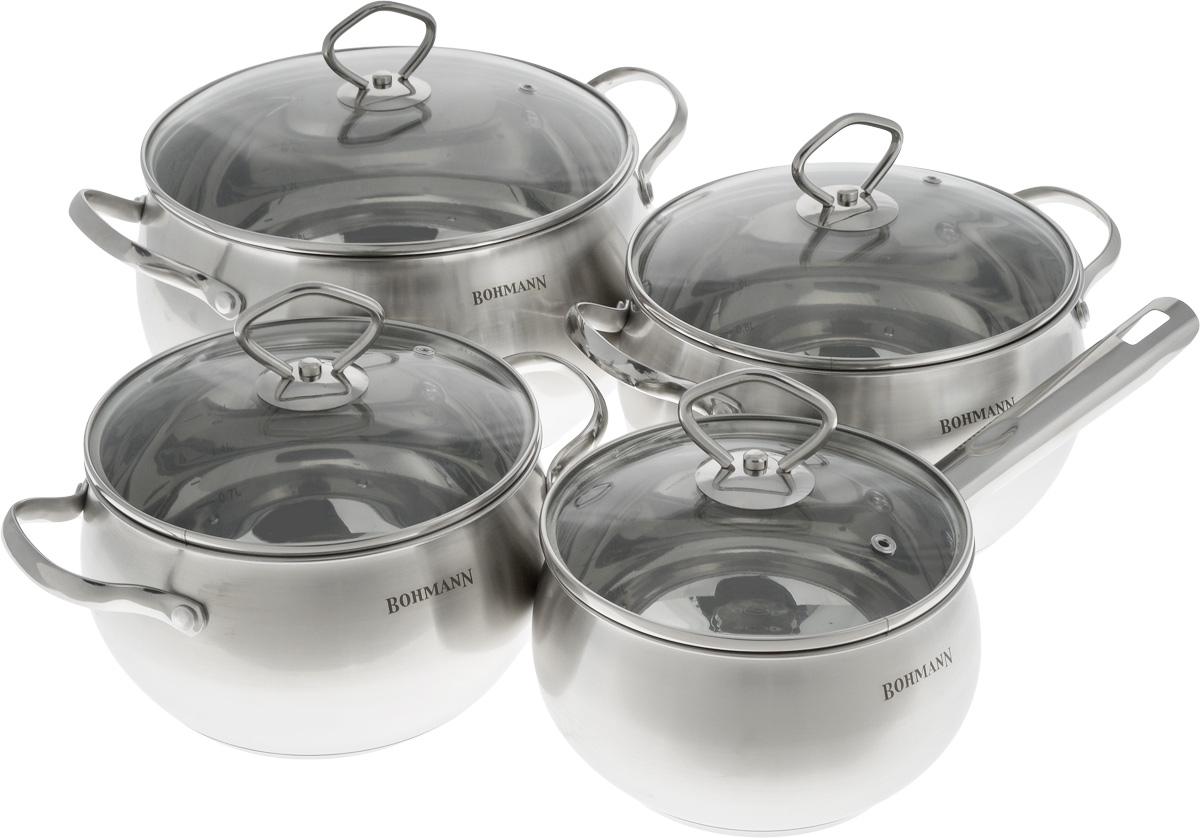 Набор посуды Bohmann, с крышками, 8 предметов. 0806BH54 009312Набор посуды Bohmann состоит из трех кастрюль и ковша. Предметы набора выполнены из нержавеющей стали и оснащены стеклянными крышками. Крышки имеют металлический обод и отверстие для выпуска пара. Равномерное распределение температуры по всей поверхности обеспечивает быстрое приготовление пищи. Изделия оснащены эргономичными ручками для более удобной переноски. На внутренней стенке имеется шкала литража. Посуда подходит для использования на всех типах плит. Можно мыть в посудомоечной машине. Объем ковша: 2,2 л. Диаметр ковша (по верхнему краю): 16 см. Высота стенки: 10 см.Объем кастрюль: 3 л; 4 л; 7 л. Диаметр кастрюль (по верхнему краю): 18 см; 20 см; 24 см.Высота стенок кастрюль: 11 см; 12 см; 14 см.