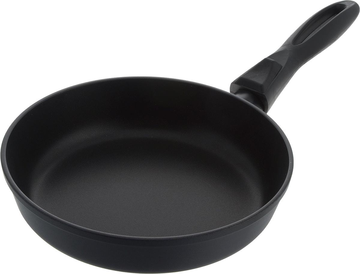 Сковорода Helper Gurman, с антипригарным покрытием, со съемной ручкой. Диаметр 22 см54 009312Сковорода Helper Gurman выполнена из литого толстостенного алюминия, что позволяет равномерно распределять и прекрасно удерживать тепло, экономить электроэнергию и готовить пищу быстрее. Значительная толщина стенок и дна исключает деформацию корпуса изделий, гарантирует долговечность посуды. Снабжена антипригарным покрытием Greblon C2+ с усиленным грунтовым слоем, дополнительно усиленное гранитной крошкой. Изделие не содержит кадмия и свинца, а также вредной примеси PFOA, оно абсолютно экологично и безопасно для здоровья. Антипригарное покрытие обладает высокой прочностью, пища не пригорает и сохраняет полезные свойства. Изделие оснащено удобной бакелитовой ручкой.Подходит для газовых, электрических и стеклокерамических плит. Можно мыть в посудомоечной машине.