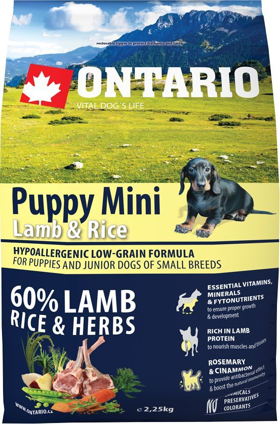 Корм сухой Ontario Puppy Mini, для щенков малых пород, с ягненком и рисом, 2,25 кг0120710Гипоаллергенная формула с низким содержанием зерновых для щенков и молодых собак мелких пород (1-12 месяцев). Полнорационный корм для собак.Сбалансированный состав для здорового функционирования и развития всего организма. Корм содержит широкий набор витаминов и минералов, способствующих здоровому росту и развитию щенков. Высокое содержание белка из мяса ягненка имеет важное значение для правильного формирования мышечной ткани. Пивные дрожжи содержат витамины группы В и ферменты, способствуют росту полезных бактерий в кишечнике. Дрожжи улучшают состояние кожи и шерсти животных.Лососевый жир богат незаменимыми жирными кислотами Омега 3, оказывающими благотворное влияние на все органы и системы организма, особенно на шерсть животных. Омега 3 и Омега 6 жирные кислоты являются важными компонентами для поддержки функций сердца. Яблоки богаты клетчаткой (пектином), способствующей пищеварению и выводящей токсины из кишечника, а также являются источником витаминов и антиоксидантов.Специальный микс трав и специй, особенно корица и розмарин, помогают иммунной системе и обеспечивают антибактериальный эффект.Маннанолигосахариды естественным образом поддерживают работу кишечника и улучшают общее состояние здоровья животных.Рекомендации по кормлению: Давать ком сухим или слегка увлажненным. Всегда обеспечивайте собаке доступ к свежей воде. Количество корма, ежедневно необходимое собаке, зависит от окружающих условий, размера, возраста и уровня активности. Рекомендуемая дневная норма приведена в таблице. Для поддержания надлежащего состояния, следите, чтобы ваша собака была физически активна и не перекармливайте.Состав: дегидрированный ягненок (27%), рис (20%), груша, куриный жир, рисовые отруби (8%), индейка (5%), сушеные яблоки, пивные дрожжи, рыбий жир, сушеная морковь, маннанолигосахариды (210 мг/кг), фруктоолигосахариды(140 мг/кг), смесь морских водорослей, фенхель, тимьян, корица, анис, 