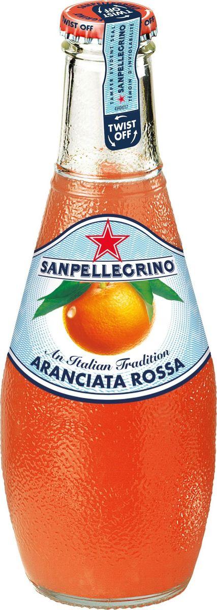 San Pellegrino Напиток сокосодержащий со вкусом красного апельсина, 0,2 л0120710Фруктовый напиток San Pellegrino - знаменитый во всем мире освежающий газированный напиток с соком фруктов, производится с 1930-х годов в Италии. Напиток содержит натуральный сок сочных и спелых сицилийских фруктов, собранных вручную, а низкое содержание углеводов и сахара делает напиток San Pellegrino доступным даже для тех, кто придерживается диеты. Основой для создания напитка служит минеральная вода, баланс между нежными пузырьками иароматом придает напитку неповторимый вкус. Фруктовые напитки San Pellegrino отлично утоляют жажду и являются прекрасным дополнением кежедневным трапезам. Согретые теплым итальянским солнцем фрукты дарят вам всю свою свежесть и аромат круглый год! 100% натуральные ингредиентыФрукты с острова СицилияОснова – минеральная водаПониженное содержание сахараНатуральный вкус и аромат.