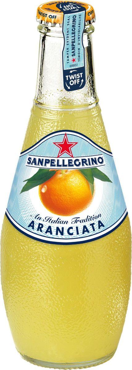 San Pellegrino Напиток сокосодержащий со вкусом апельсина, 0,2 лNST-12293668Фруктовый напиток San Pellegrino - знаменитый во всем мире освежающий газированный напиток с соком фруктов, производится с 1930-х годов в Италии. Напиток содержит натуральный сок сочных и спелых сицилийских фруктов, собранных вручную, а низкое содержание углеводов и сахара делает напиток San Pellegrino доступным даже для тех, кто придерживается диеты. Основой для создания напитка служит минеральная вода, баланс между нежными пузырьками иароматом придает напитку неповторимый вкус. Фруктовые напитки San Pellegrino отлично утоляют жажду и являются прекрасным дополнением кежедневным трапезам. Согретые теплым итальянским солнцем фрукты дарят вам всю свою свежесть и аромат круглый год! 100% натуральные ингредиентыФрукты с острова СицилияОснова – минеральная водаСодержание сока – 20%, выше минимальной нормы, и чем у большинства конкурентовПониженное содержание сахараНатуральный вкус и аромат.