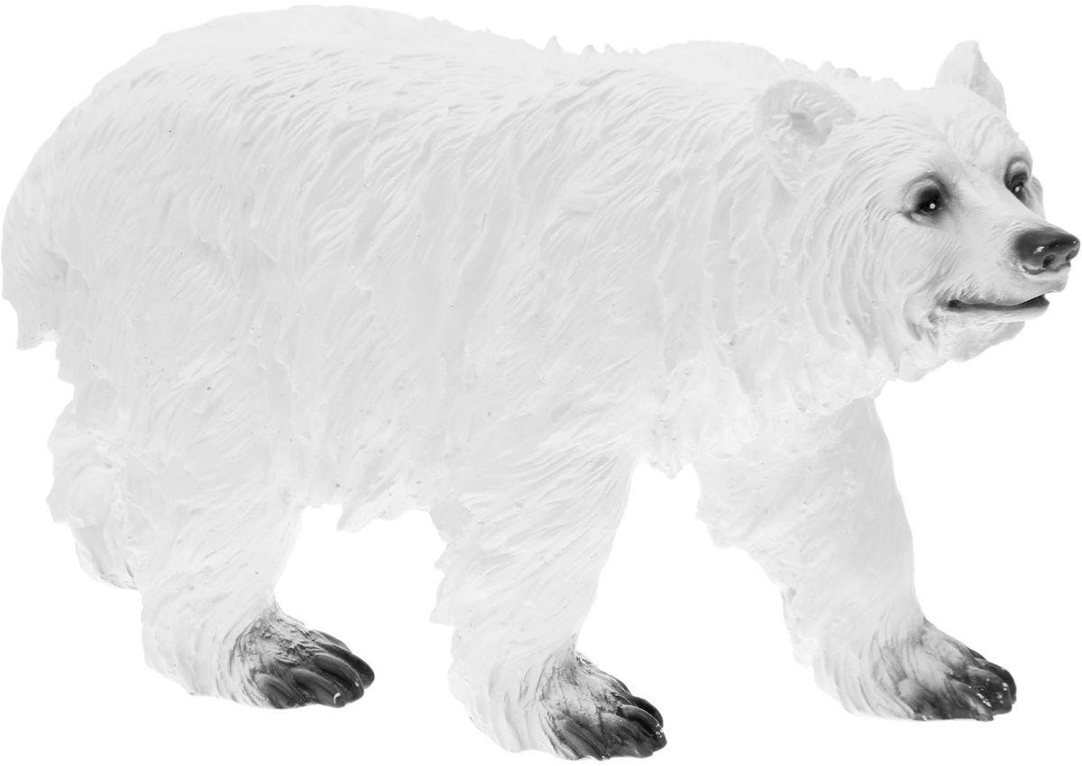 Фигура садовая Premium Gips Медведь белый, 63 х 21 х 34 см1807440Садовая фигурка Медведь белый станет верным другом и охранником вашего участка. Он такой большой и сильный, что сможет стать своеобразным символом и оберегом участка. Установите мишку у входа в дом, либо между деревьями, чтобы он гармонично смотрелся на фоне естественной природы.