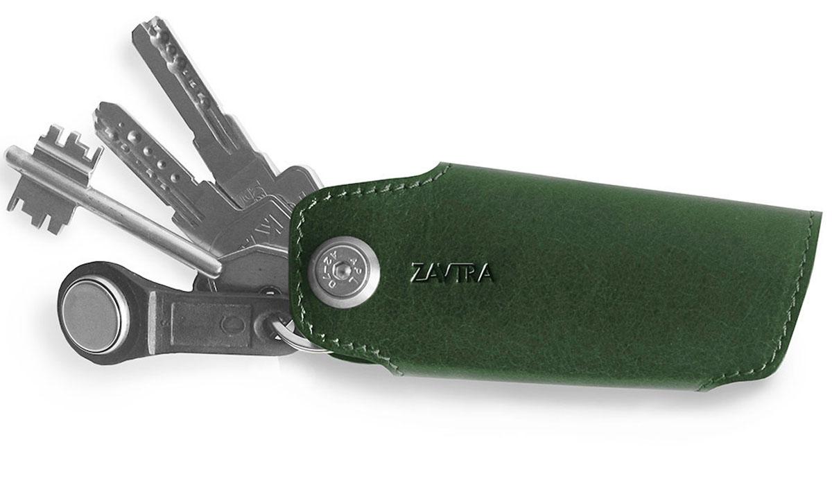 Ключница Zavtra, цвет: зеленый. zav08greБрошь-кулон• Позволяет удобно и бесшумно транспортировать ключи;• Лего извлекать и складывать;• Можно прицепить ретрактор или карабин• Защищает остальные вещи от царапинКлючница ZAVTRA упорядочит ваши ключи в одном блоке и сделает их хранение и транспортировку более удобными и менее опасными для окружающих предметов с чувствительными поверхностями. В ключнице есть ось к которой можно присоединить карабин или ретрактор для ношения, например, на поясе или на предусмотренном в некоторых сумках кольце.Аксессуар предназначен для хранения небольших связок (от двух до пяти ключей).