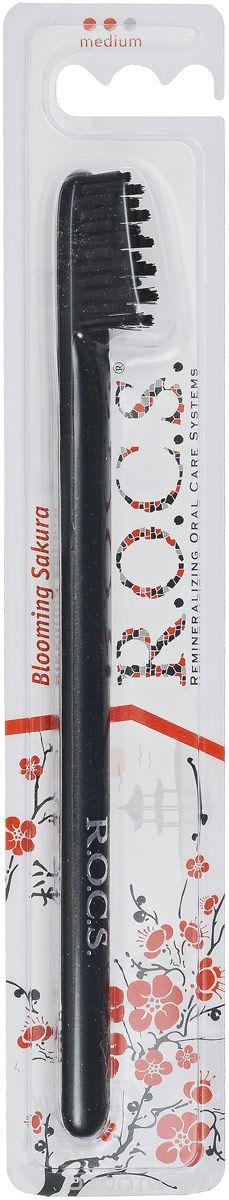 R.O.C.S. Зубная щетка Модельная, средняя жесткость, цвет: черный03-04-012_черныйЗубная щетка R.O.C.S. Модельная разработана при участии стоматологов. Нетрадиционная скошенная подстрижка щетины обеспечивает: Бережный уход за деснами; Высокое качество очистки труднодоступных участков зубного ряда; Легкий доступ к дальним зубам. Тонкая ручка предотвращает излишнее давление при чистке. Высококачественная щетина:закругленные и отполированные на концах текстурированные щетинки обеспечивают быстрое и интенсивное очищение благодаря увеличенной очищающей поверхности и особенности аквадинамики волокна.