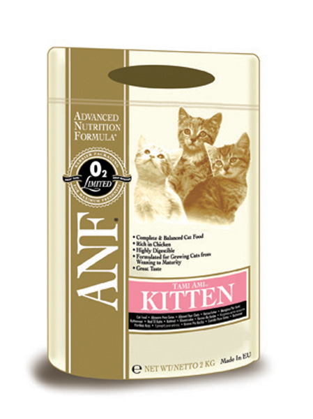 Корм сухой ANF Tami Ami для котят, 2 кг57815Оптимальное количество животного белка для здорового роста и развития котенка. Небольшие по размеру гранулы для очень маленьких зубов животного. Оптимальная энергетическая ценность для восполнения повышенных энергетических затрат при активном росте. Рацион содержит докозагексаеновую кислоту (Омега-3 жирные кислоты) для улучшения умственного развития, поддержания здоровья кожи и увеличения блеска шерсти животного.Состав: куриная мука (мин. 38%), дробленый белый рис, куриный жир (содержащий консерванты из токоферолов), овес, рыбная мука, яичный порошок, свекловичный жом, соус из куриной печени, лецитин, рыбий жир, хлорид натрия, хлорид калия, карбонат кальция, dl-метионин, пивные дрожжи,холинхлорид, таурин, сульфат цинка, экстракт Yucca Schidigera, сульфат железа, смесь токоферола (витамина Е) (альфа-токоферола ацетат), сульфат марганца, ниацин, смесь витамина В12, смесь витамина А (ретинилацетат), сульфат меди, смесь селенита натрия, пантотенат кальция, смесь витамина Н (биотин), смесь витамина D3 (холекальциферол), витамин В1 (тиамина мононитрат), смесь витамина В2 (рибофлавин), витамин В6 (пиридоксина гидрохлорид), смесь витамина К, фолиевая кислота. Гарантированный состав: белок - 34,00%, жир - 22,00%, сырая зола - 10,50%, сырая клетчатка - 3,00%, влажность - 7,00%, магний (Mg) - 0,1%, кальций (Ca) - 2,40%, фосфор (Р) - 1,40%, таурин - 509 мг/кг, жирные кислоты Омега-6 - 3,3%, жирные кислоты Омега-3 - 0,86%, витамин А - 22,917 МЕ/кг, витамин D3 - 1,833 МЕ/кг, витамин Е - 113 МЕ/кг, витамин С - 16 мг/кг, петагидрат сульфата меди - 20,37 мг/кг.Энергетическая ценность: 388 ккал/100 г.Товар сертифицирован.