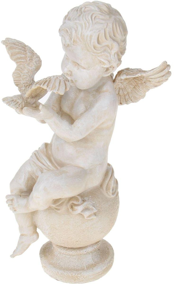 Фигура садовая Ангел с птицей, 39 х 22 х 17 см1010326Прекрасный пухлый ангелочек станет настоящей жемчужиной вашего дачного участка! Нежные черты лица, качественная проработка даже самых мельчайших деталей – все это покорит вас с первого взгляда!Искусственный камень, из которого сделана садовая фигура Ангел с птицей является одним из самых безопасных и прочных материалов. Расцветка под мрамор выгодно выделит садовую фигуру на фоне буйства зелени и придаст ей элегантности.Размер фигуры: 39 х 22 х 17 см.