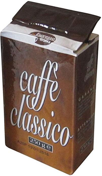 Espresso Italia Caffe Classico кофе молотый, 250 г8003012011035Это очень популярная смесь ароматной Арабики и крепкой Робусты. Зерна кофе для этой смеси собирают в Центральных и Южных регионах Латинской Америки и в Индонезии. Такое сочетание ярко наполняет смесь зерен выраженным вкусом и нежным шоколадным оттенком, сладковатым ароматом и умеренной крепостью. 20% Арабика, 80% Робуста.