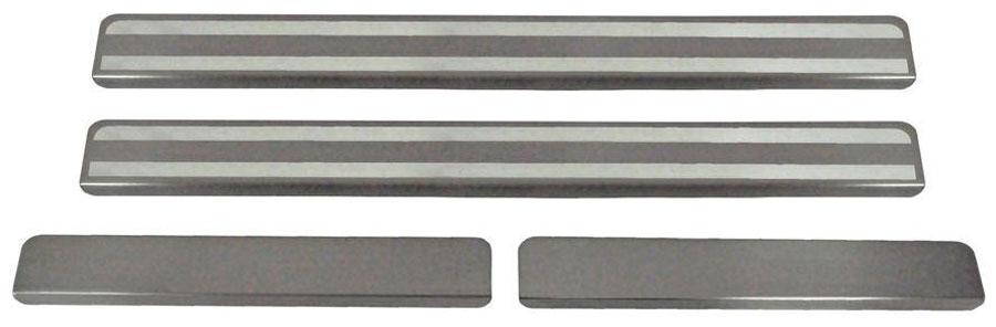 Накладки на пороги Автоброня, для Hyundai Solaris 2011-2016, 4 шт. NPHYSOL013DAVC150Накладки на пороги Автоброня создают индивидуальный интерьер автомобиля и защищают лакокрасочное покрытие от механических повреждений.- В комплект входят 4 накладки (2 передние и 2 задние).- Использование высококачественной итальянской нержавеющей стали AISI 304 (толщина 0,5 мм).- Надежная фиксация на автомобиле с помощью скотча 3М серии VHB.- Устойчивое к истиранию изображение на накладках нанесено методом абразивной полировки.- Идеально повторяют геометрию порогов автомобиля.- Легкая и быстрая установка.