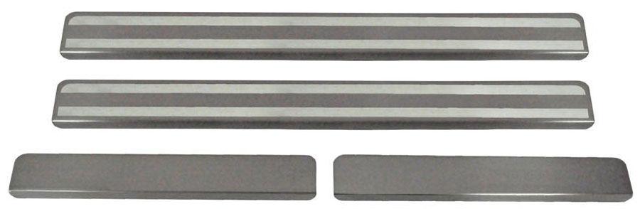 Накладки на пороги Автоброня, для Lada Granta 2011-, 4 шт. NPLAGRA013SVC-300Накладки на пороги Автоброня создают индивидуальный интерьер автомобиля и защищают лакокрасочное покрытие от механических повреждений.- В комплект входят 4 накладки (2 передние и 2 задние).- Использование высококачественной итальянской нержавеющей стали AISI 304 (толщина 0,5 мм).- Надежная фиксация на автомобиле с помощью скотча 3М серии VHB.- Устойчивое к истиранию изображение на накладках нанесено методом абразивной полировки.- Идеально повторяют геометрию порогов автомобиля.- Легкая и быстрая установка.