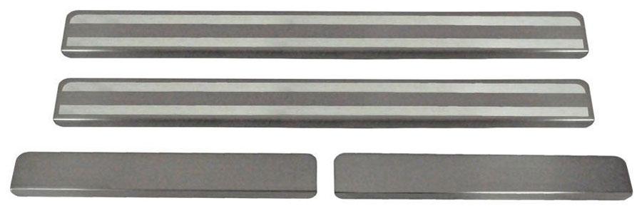 Накладки на пороги Автоброня, для Lada Vesta 2015-, 4 штVCA-00Накладки на пороги Автоброня создают индивидуальный интерьер автомобиля и защищают лакокрасочное покрытие от механических повреждений.Особенности:- Использование высококачественной итальянской нержавеющей стали AISI 304 (толщина 0,5 мм).- Надежная фиксация на автомобиле с помощью скотча 3М серии VHB.- Устойчивое к истиранию изображение на накладках нанесено методом абразивной полировки.- Идеально повторяют геометрию порогов автомобиля.- Легкая и быстрая установка.В комплект входят 4 накладки (2 передние и 2 задние).