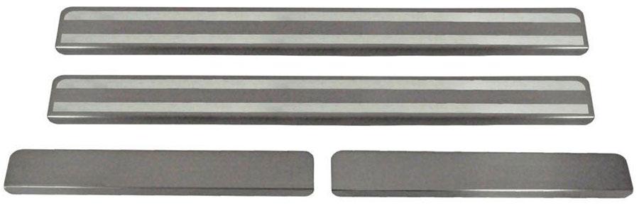 Накладки на пороги Автоброня, для Nissan Almera 2013-, 4 шт. NPNIALM013MW-3101Накладки на пороги Автоброня создают индивидуальный интерьер автомобиля и защищают лакокрасочное покрытие от механических повреждений.- В комплект входят 4 накладки (2 передние и 2 задние).- Использование высококачественной итальянской нержавеющей стали AISI 304 (толщина 0,5 мм).- Надежная фиксация на автомобиле с помощью скотча 3М серии VHB.- Устойчивое к истиранию изображение на накладках нанесено методом абразивной полировки.- Идеально повторяют геометрию порогов автомобиля.- Легкая и быстрая установка.