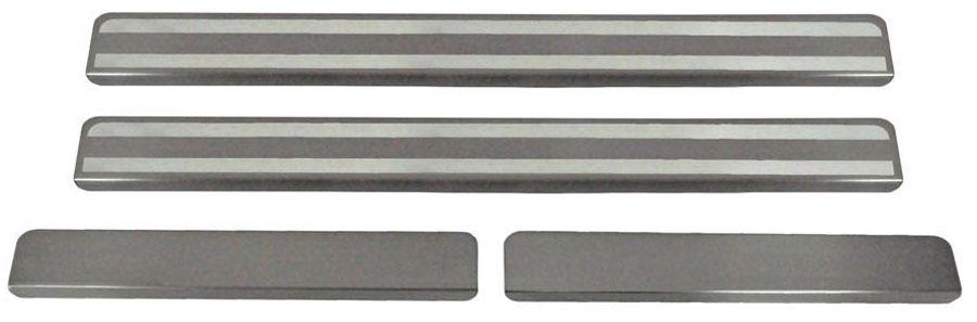 Накладки на пороги Автоброня, для Nissan Terrano 2014-, 4 шт. NPNITER0131004900000360Накладки на пороги Автоброня создают индивидуальный интерьер автомобиля и защищают лакокрасочное покрытие от механических повреждений.- В комплект входят 4 накладки (2 передние и 2 задние).- Использование высококачественной итальянской нержавеющей стали AISI 304 (толщина 0,5 мм).- Надежная фиксация на автомобиле с помощью скотча 3М серии VHB.- Устойчивое к истиранию изображение на накладках нанесено методом абразивной полировки.- Идеально повторяют геометрию порогов автомобиля.- Легкая и быстрая установка.