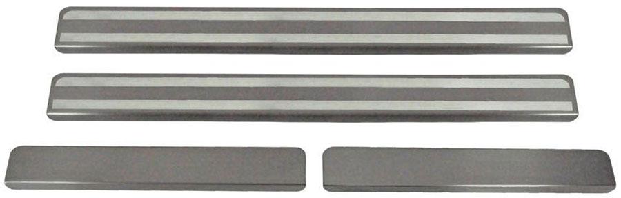 Накладки на пороги Автоброня, для Renault Sandero 2014-, 4 шт. NPRESAN0131004900000360Накладки на пороги Автоброня создают индивидуальный интерьер автомобиля и защищают лакокрасочное покрытие от механических повреждений.- В комплект входят 4 накладки (2 передние и 2 задние).- Использование высококачественной итальянской нержавеющей стали AISI 304 (толщина 0,5 мм).- Надежная фиксация на автомобиле с помощью скотча 3М серии VHB.- Устойчивое к истиранию изображение на накладках нанесено методом абразивной полировки.- Идеально повторяют геометрию порогов автомобиля.- Легкая и быстрая установка.