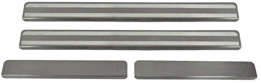 Накладки на пороги Автоброня, для Skoda Octavia A7 2013-, 4 шт. NPSKOA701321395599Накладки на пороги Автоброня создают индивидуальный интерьер автомобиля и защищают лакокрасочное покрытие от механических повреждений.- В комплект входят 4 накладки (2 передние и 2 задние).- Использование высококачественной итальянской нержавеющей стали AISI 304 (толщина 0,5 мм).- Надежная фиксация на автомобиле с помощью скотча 3М серии VHB.- Устойчивое к истиранию изображение на накладках нанесено методом абразивной полировки.- Идеально повторяют геометрию порогов автомобиля.- Легкая и быстрая установка.